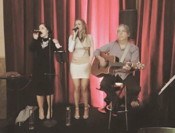 Deja Blue Acoustic Duo - Singers Musicians - Cover Band Adelaide